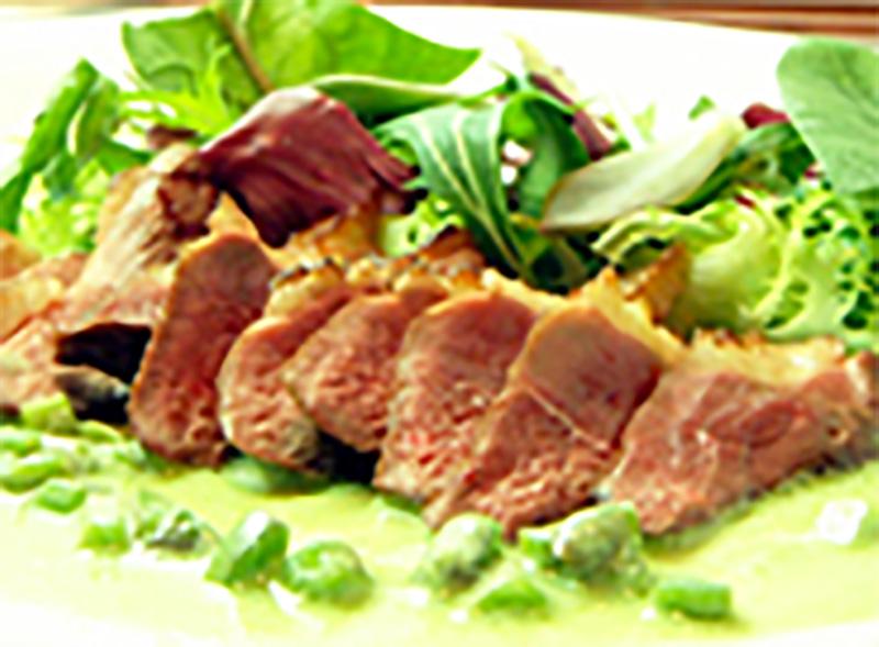 鴨肉の炭火焼(グラパラとヨーグルトのドレッシングで)